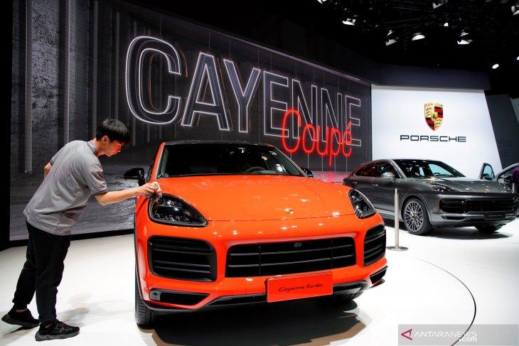 Porsche hadirkan seri Cayenne S Coupe