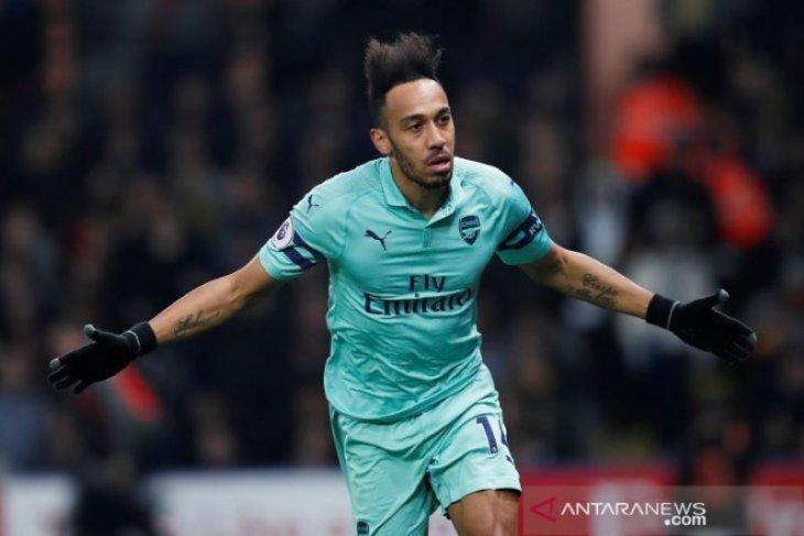Arsenal kembali ke empat besar usai tundukkan 10 pemain Watford