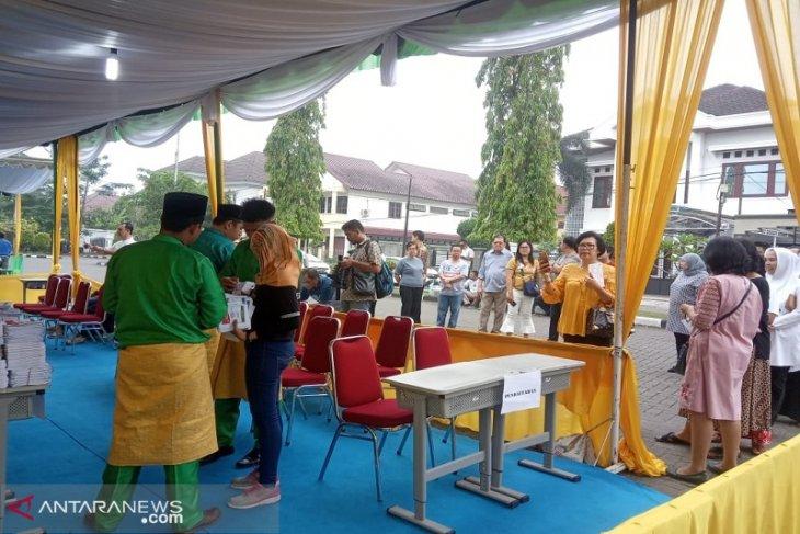 Kotak suara terlambat, TPS di Medan ribut