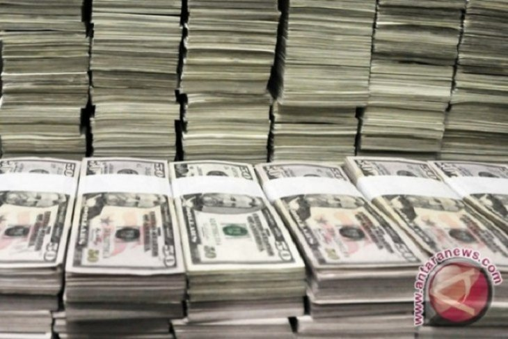 Dolar AS melemah tertekan pernyataan pejabat Federal Reserve