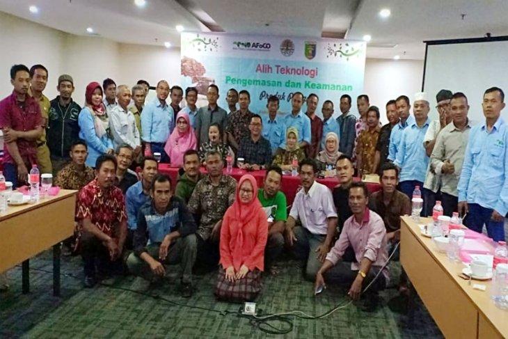 Pelatihan Pengembangan dan Pemasaran Produk Hasil Hutan Bukan Kayu Di Lampung