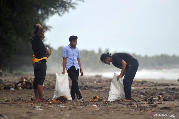 Di Padang, buang sampah sembarangan bakal dihukum tiga bulan