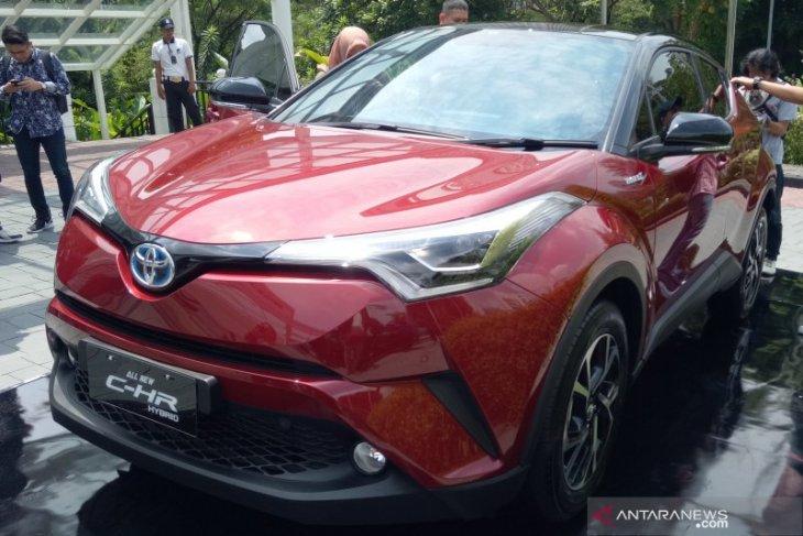 Toyota jual C-HR Hybrid Rp523 juta