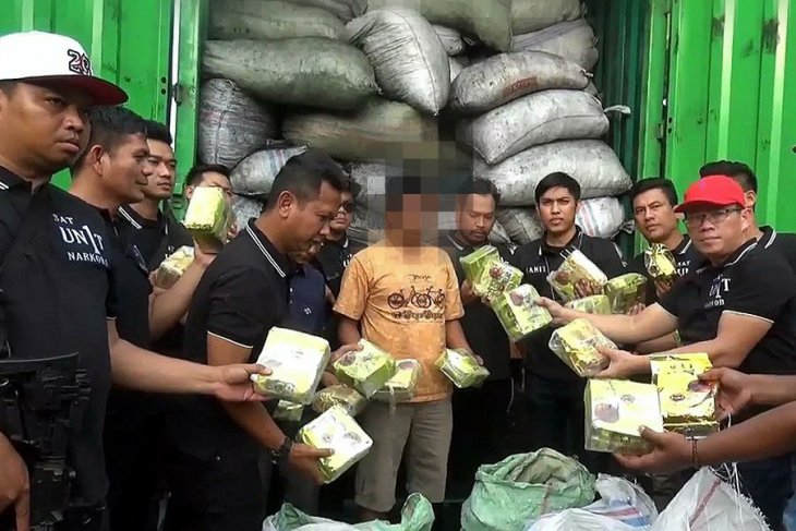Meth delivery aboard container truck averted by West Jakarta Police