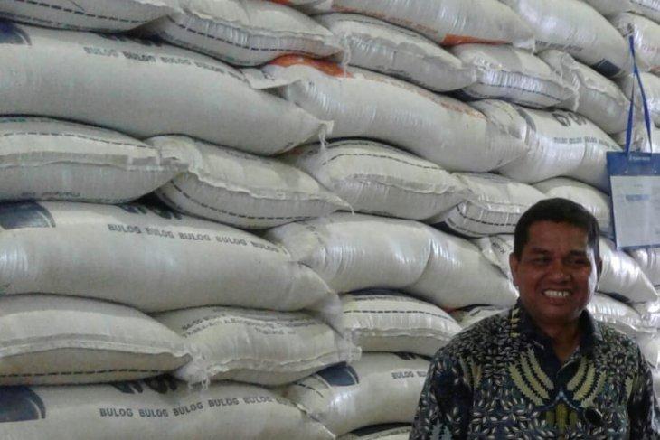 Harga berbagai beras antarpulau di Ambon stabil