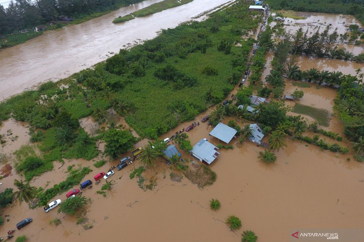 Death toll in Bengkulu flood increases to 15