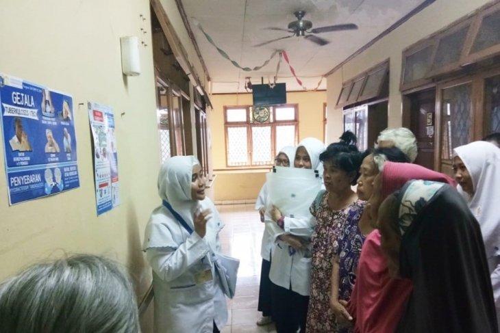UI bantu cegah penularan TB paru pada lansia