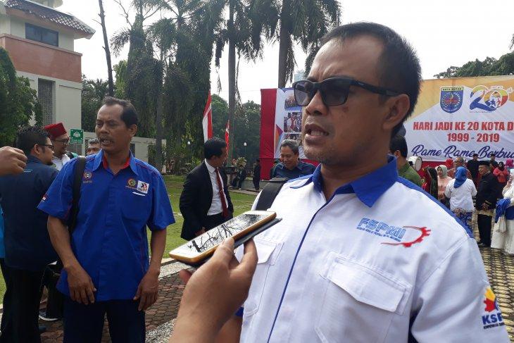 Buruh Depok ikut lakukan aksi unjuk rasa di Jakarta