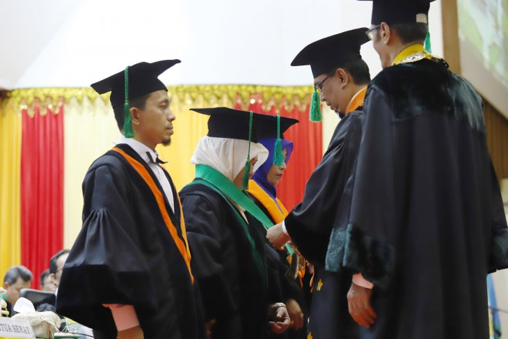 Unsyiah Banda Aceh kukuhkan tiga Guru Besar
