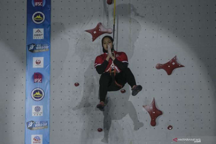 Aries Susanti rebut emas dan pecahkan rekor dunia panjat tebing