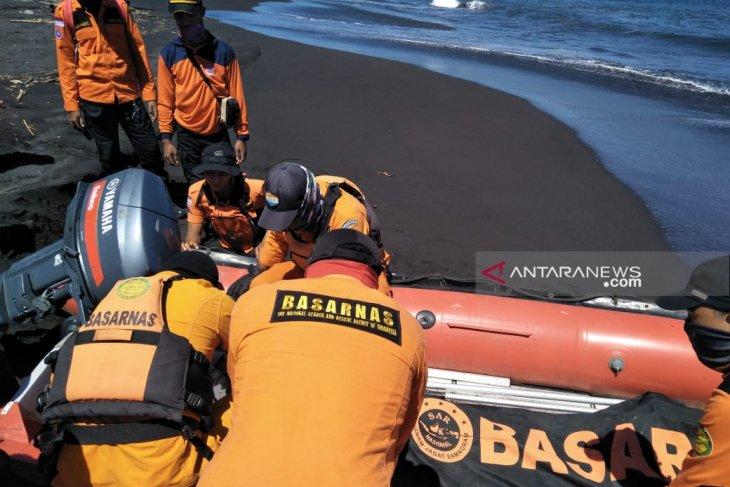 Tim SAR Jember belum temukan santri tenggelam di Pantai Pancer