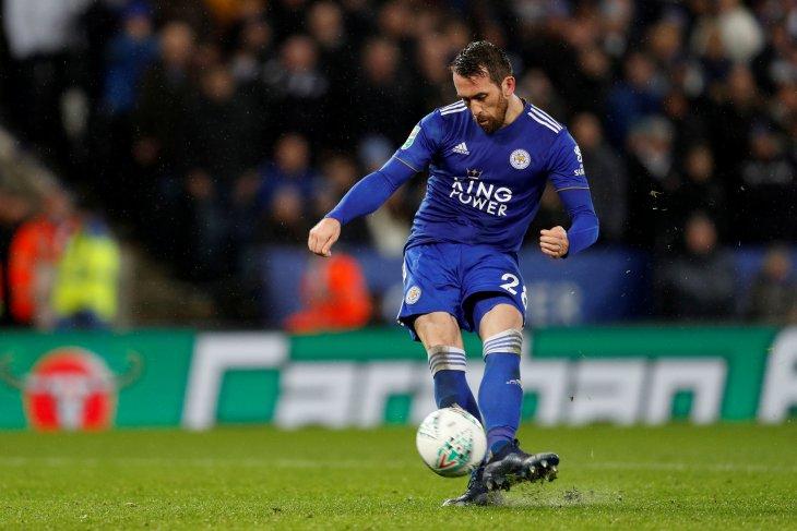 Christian Fuchs tetap bela Leicester sampai 2020