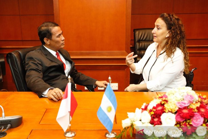 Minister does not accept Argentina's corn offer