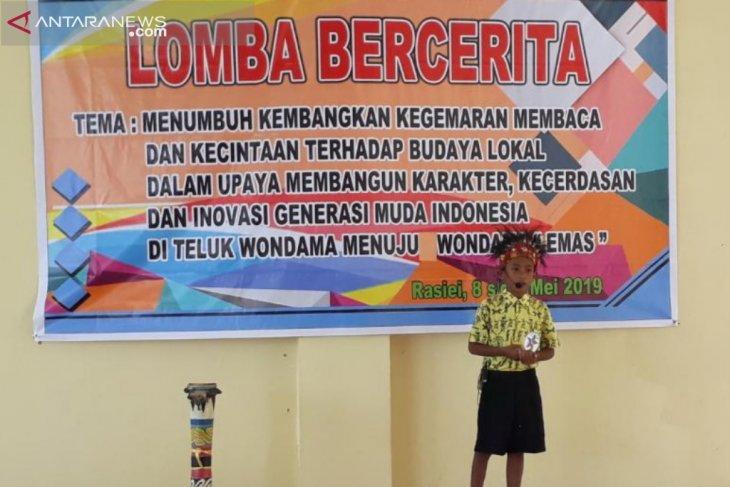 Teluk Wondama pertahankan tradisi dan budaya melalui lomba bercerita