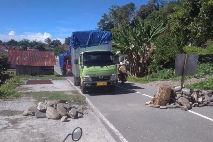 Wagub Maluku prihatin akses jalan trans Seram masih dibarikade