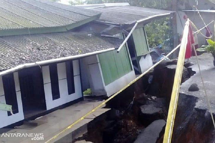 Kabupaten Sukabumi dilanda 68 kali bencana sepanjang April