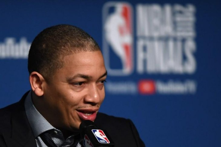 Lakers temui jalan buntu untuk merekrut pelatih Tyronn
