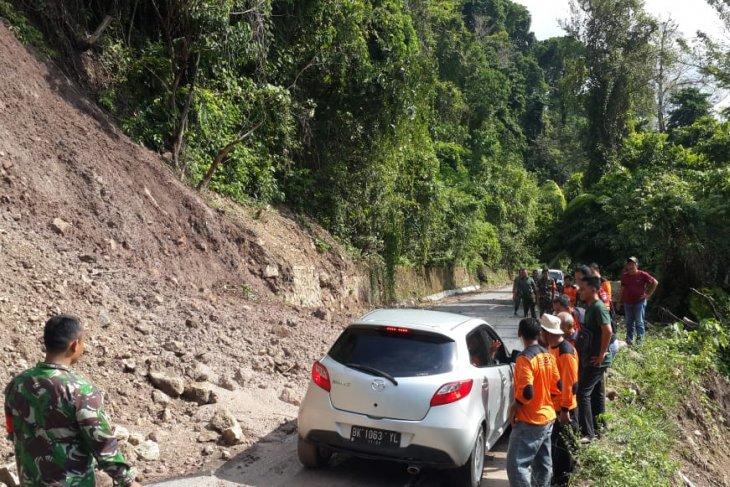 Waspadai angin kencang disertai hujan dan petir di Aceh