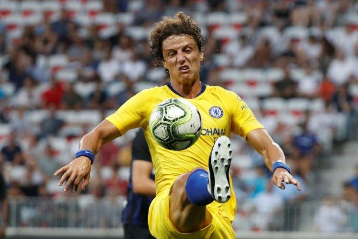 David Luiz di persimpangan  jalan