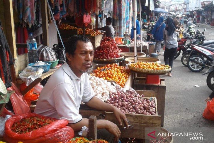 Harga bawang di Ambon turun dan bervariasi