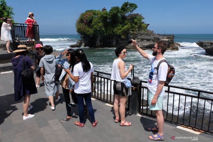 Tourist visits to Tanah Lot decrease following ticket price hike
