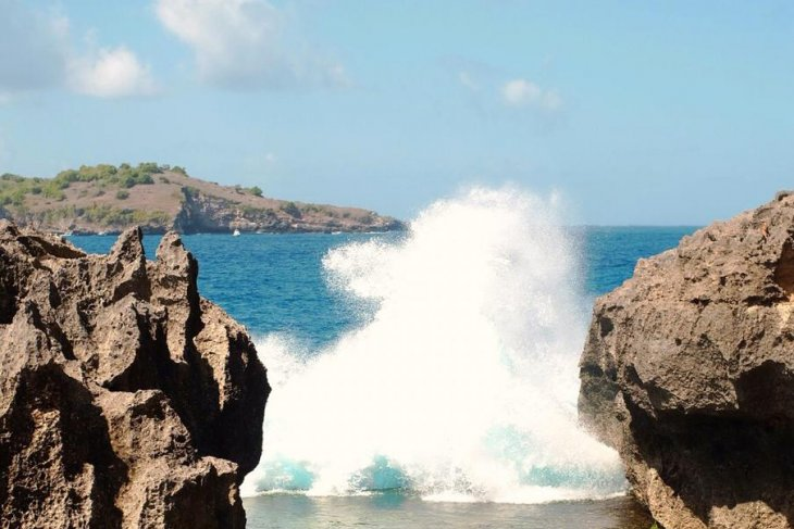 Bali to host world surfing championship
