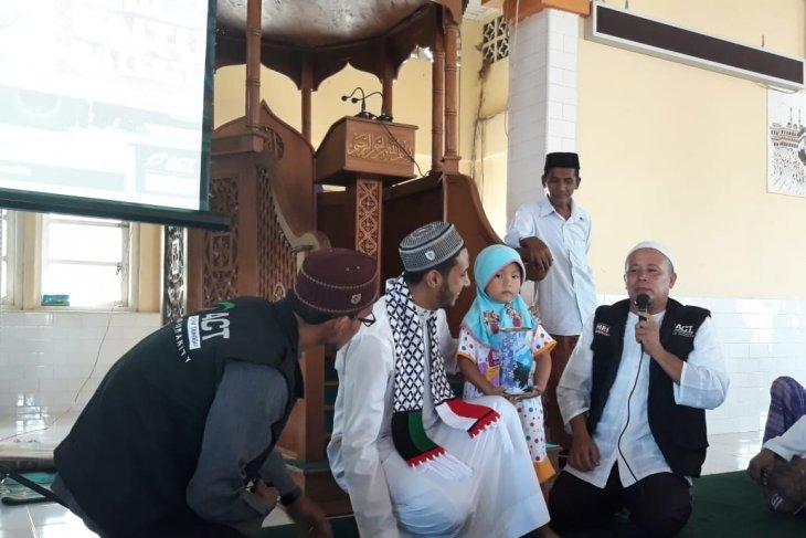 Gadis cilik di Aceh Jaya sumbangkan celengan hajinya bagi Palestina