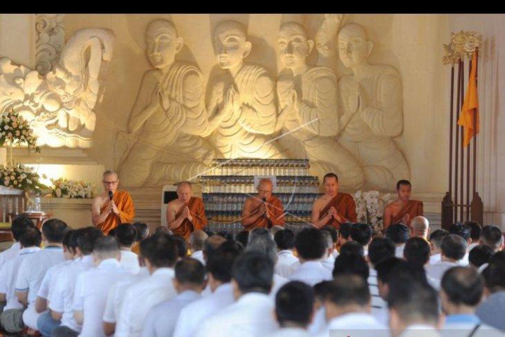 Umat Buddha Denpasar hadiri upacara Pattidana