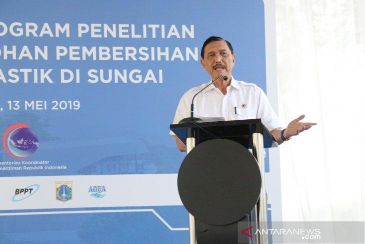 Indonesia-Belanda meluncurkan program kurangi sampah plastik sungai
