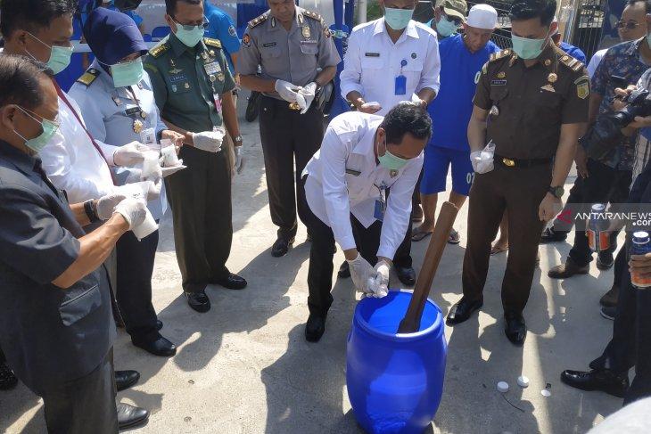 1.3 kg crystal meth destroyed by West Kalimantan BNN