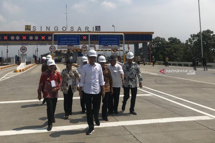 Jokowi gratiskan Tol Pandaan-Malang selama mudik Lebaran