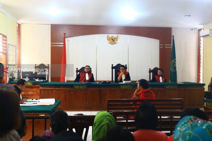 Sidang lanjutan mantan Bupati Tapteng, Bonaran bantah terima uang CPNS