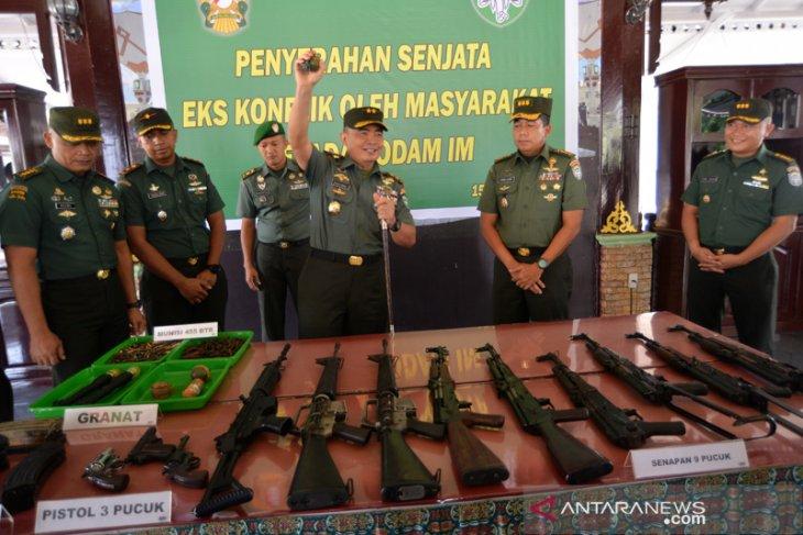 TNI terima penyerahan 12 pucuk senjata api sisa konflik Aceh