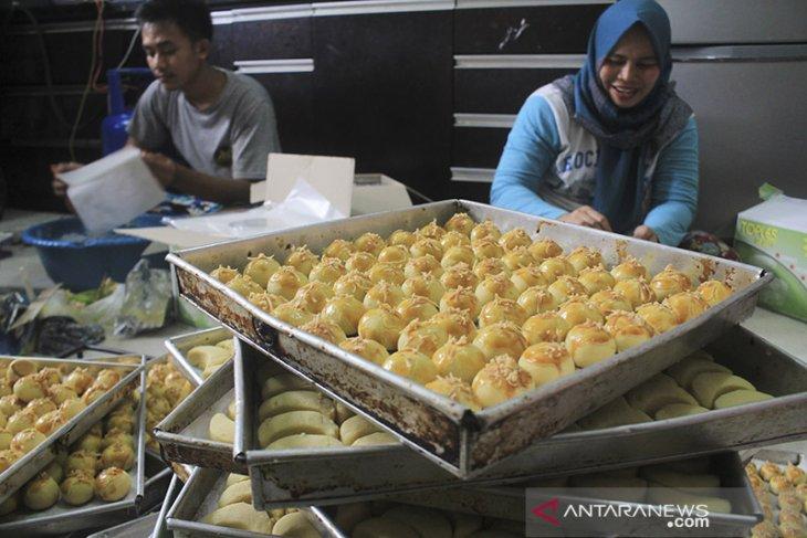 Produksi kue rumahan
