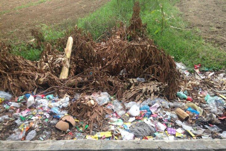 Sampah di Kota Stabat banyak tidak terangkut