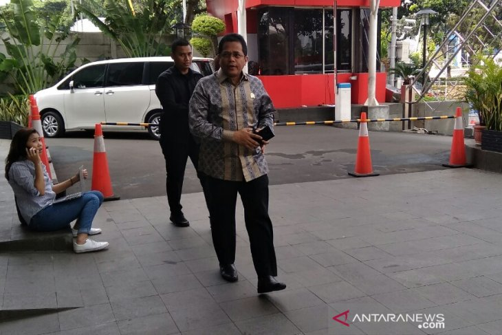 KPK periksa Sekjen DPR RI Indra Iskandar