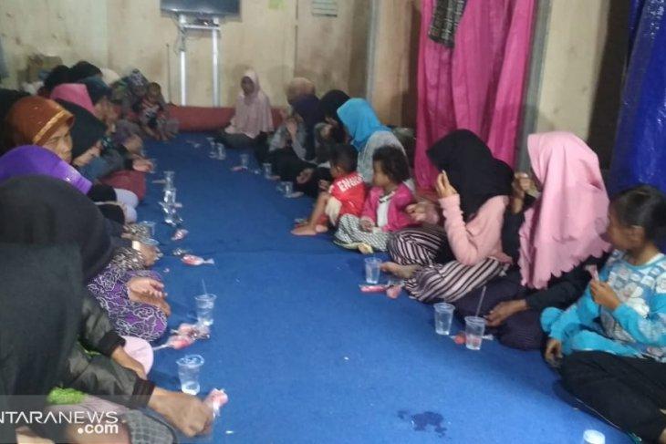 Persediaan logistik korban pergeseran tanah mencukupi  hingga akhir Ramadhan