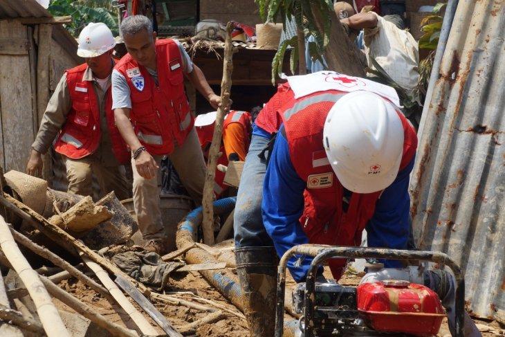PMI pasok air bersih untuk korban banjir di Bengkulu
