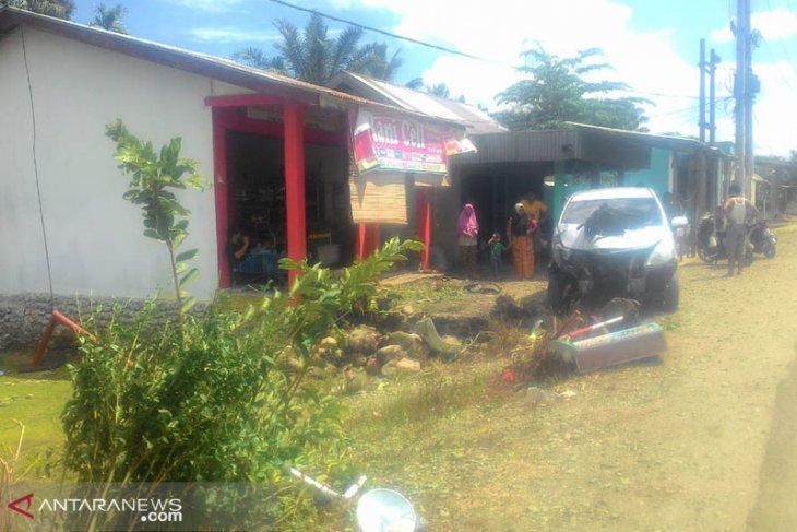Mobil Rombongan Gubernur Bengkulu Kecelakaan di Mukomuko