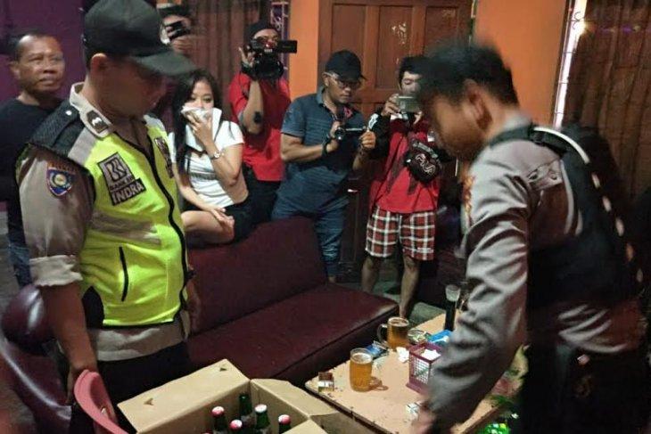 Satpol PP Tangerang amankan 250 botol miras