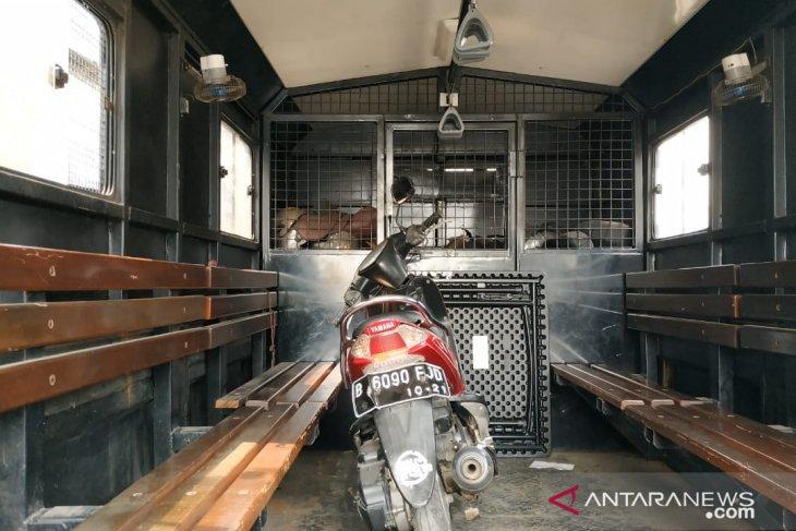 Terduga teroris di Bogor sempat ditabrak saat hendak kabur gunakan sepeda motor