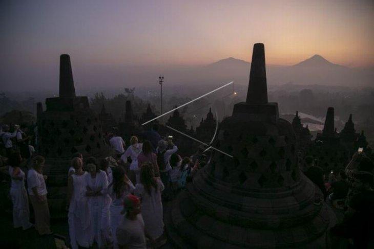 Matahari terbit Candi Borobudur