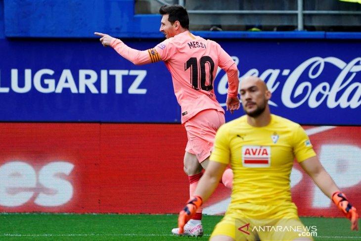 Messi akhiri musim dengan 50 gol di semua kompetisi