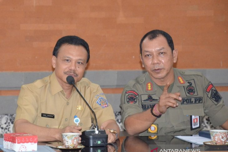Sekda Bali: tindak tegas pelanggar tiga pergub