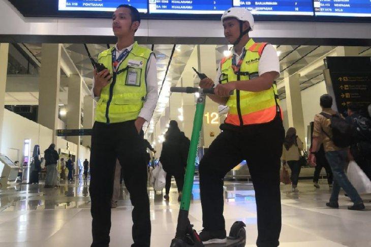AP II dan Grab uji coba skuter listrik dukung Terminal 3 Soekarno-Hatta