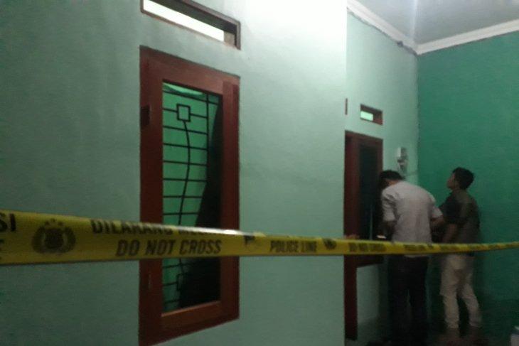 Polisi gerebek kontrakan terduga teroris di Depok
