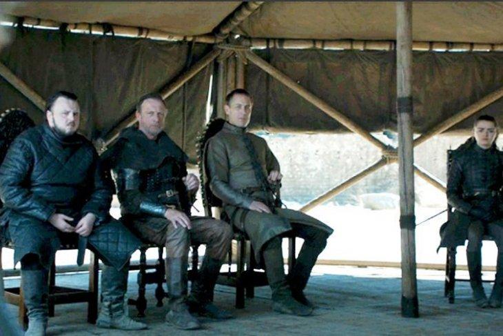 """Botol minuman kembali ditemukan dalam episode """"Game of Thrones"""""""