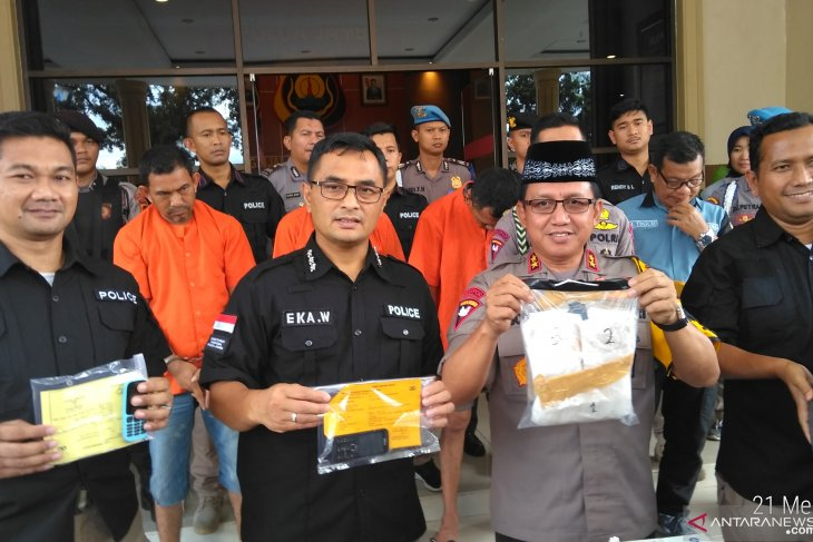 Polisi Jambi tangkap mantan Kades pembawa 1,2 Kg sabu
