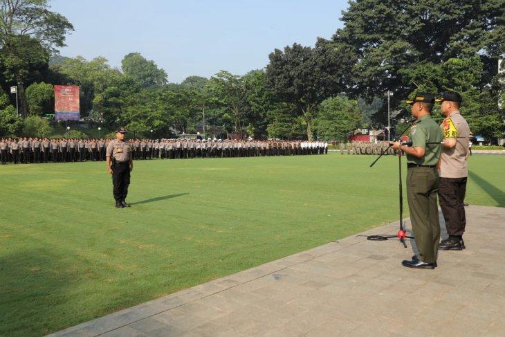 Ribuan personel gabungan mengawal pergerakan massa di Bogor
