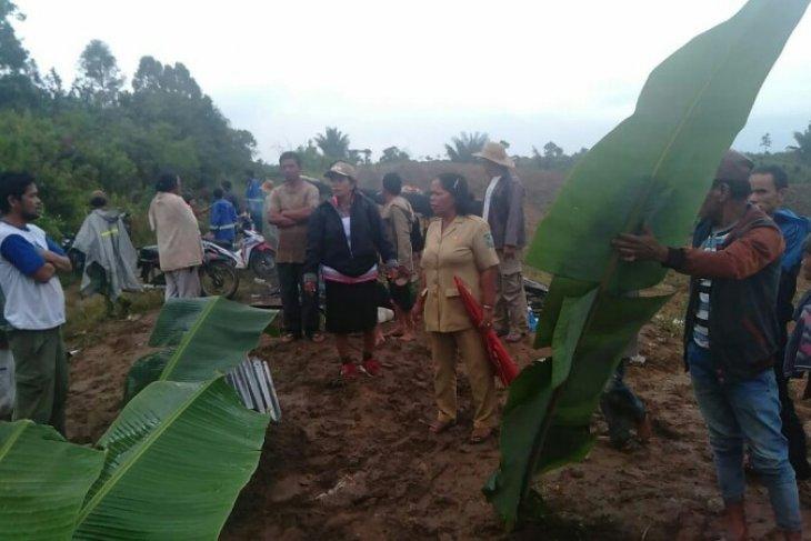 Empat petani di Simalungun tewas disambar petir